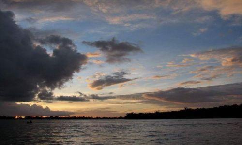 Zdjecie WENEZUELA / Guyana / Delta Orinoko / Zachód słońca D