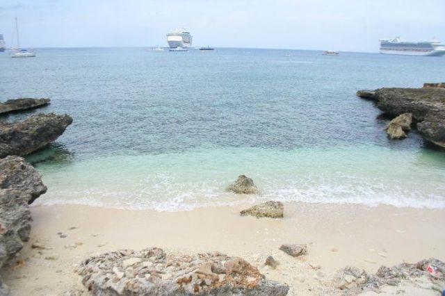 Zdjęcia: Grand Cayman, Kajmany, Kajmany - mini plaża, WIELKA BRYTANIA