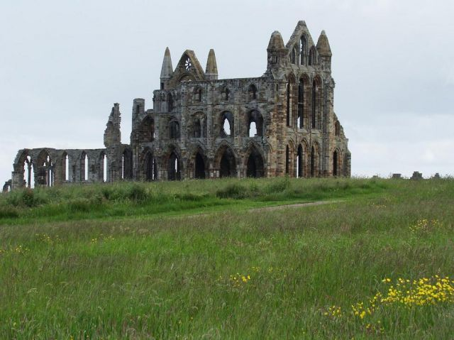 Zdj�cia: Whitby, North  East   England, Abbey  w  Whitby, WIELKA BRYTANIA