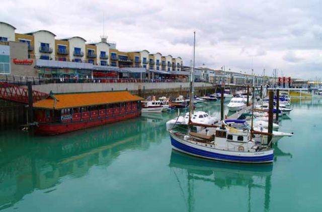 Zdjęcia: Wschodnia przystań, Brighton, Lazuru przystań..., WIELKA BRYTANIA