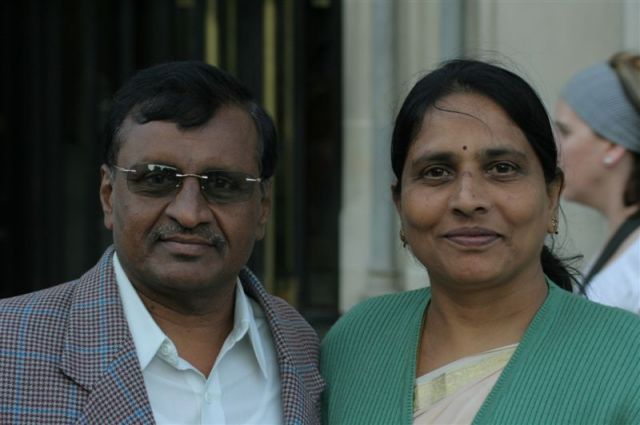 Zdjęcia: Westminster, Londyn, Indyjski polityk z żoną na wakacjach., WIELKA BRYTANIA
