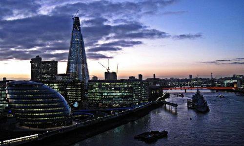 Zdjecie WIELKA BRYTANIA / LONDYN / LONDYN / WIECZÓR  NAD  TAMIZĄ