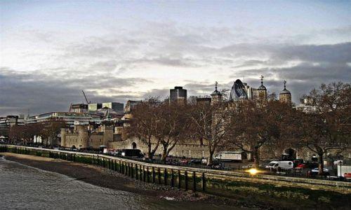 Zdjecie WIELKA BRYTANIA / LONDYN / LONDYN / LONDYŃSKA  TOWER  2