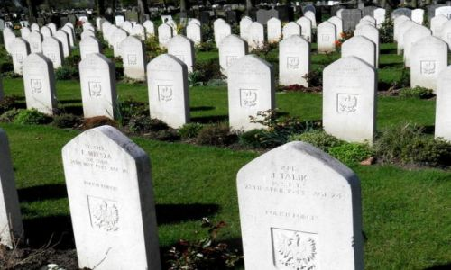 WIELKA BRYTANIA / East Midlands / Cmentarz Lotnikow Polskich / Newark
