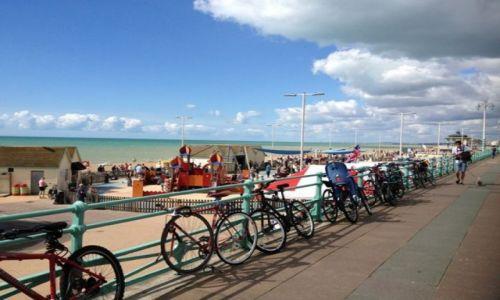 Zdjecie WIELKA BRYTANIA / East Sussex / Brighton / I kto by pomyślał, że w UK mają takie plaże? :)