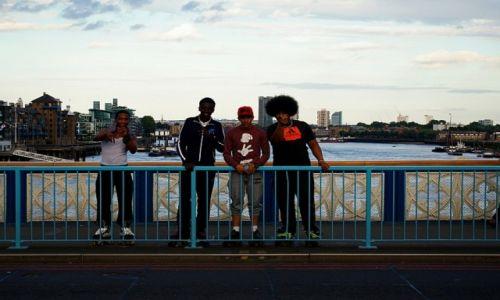 Zdjecie WIELKA BRYTANIA / London / London / young skaters at London