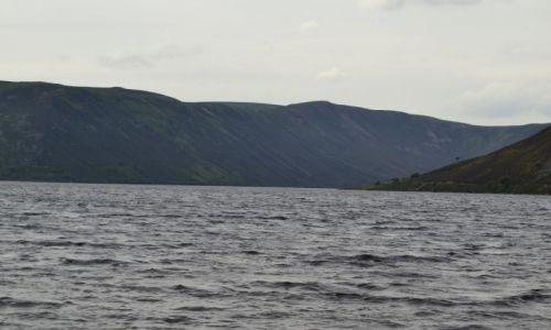 Zdjęcie WIELKA BRYTANIA / Szkocja / Loch Muick / cudne jezioro