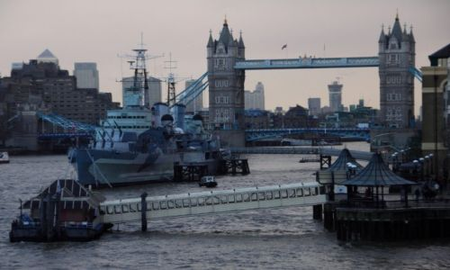 Zdjecie WIELKA BRYTANIA / Londyn / Tower Bridge / W londy�skiej m