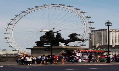 WIELKA BRYTANIA / Londyn / City of Westminster / Londyńskie oko na rydwanie