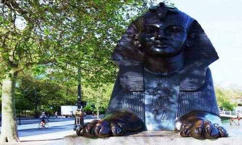 Zdjęcie WIELKA BRYTANIA / Londyn / Tamiza / Sfinks