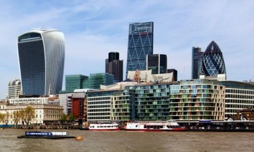 Zdjecie WIELKA BRYTANIA / Londyn / Tamiza / Londyńskie wieżowce, od lewej