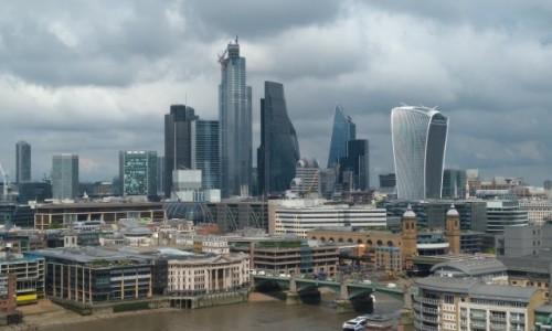 WIELKA BRYTANIA / Londyn / . / Ponad dachami