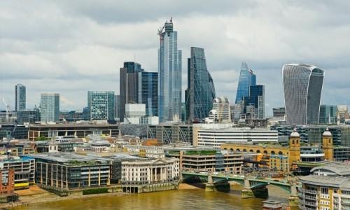 Zdjęcie WIELKA BRYTANIA / Londyn / Z tarasu Tate Modern / Coraz wyżej