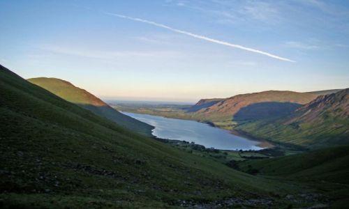 Zdjecie WIELKA BRYTANIA / Lake District/ Cumbria / Wasdale Head / wschod slonca  nad Wastwater