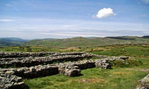 Zdjęcie WIELKA BRYTANIA / Cumbria / Lake District / Eskdale / Hardknott  Castle (ruiny Roman Fort)