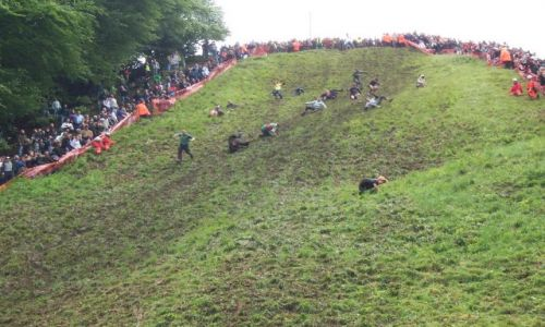 Zdjecie WIELKA BRYTANIA / Gloucestershire / Cooper's Hill / Cheese Rolling