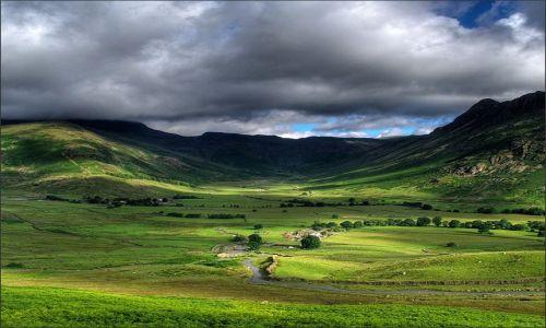 Zdjecie WIELKA BRYTANIA / Cumbria / Lake District, Anglia / Great Langdale