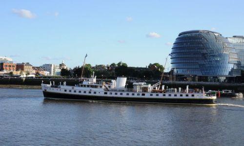 Zdjęcie WIELKA BRYTANIA / Londyn  / Tamiza / Parowiec