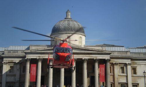 Zdjecie WIELKA BRYTANIA / Londyn / Naprzeciwko Galerii Narodowej / Helikopter