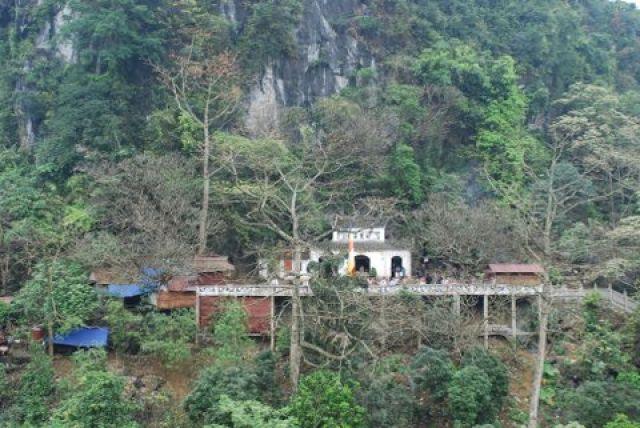 Zdjęcia: 50 km. od Hanoi, Pagoda Huong, Na szlaku , WIETNAM
