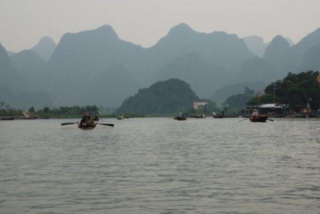 Zdjęcia: Huong Pagoda, 50 km. od Hanoi, Na szlaku, WIETNAM