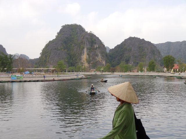 Zdjęcia: Tam Coc, Ninh Binh, u bram Tam Coc, WIETNAM
