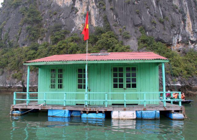 Zdjęcia: Wioska na wodzie, Ha Long, Szkoła, WIETNAM