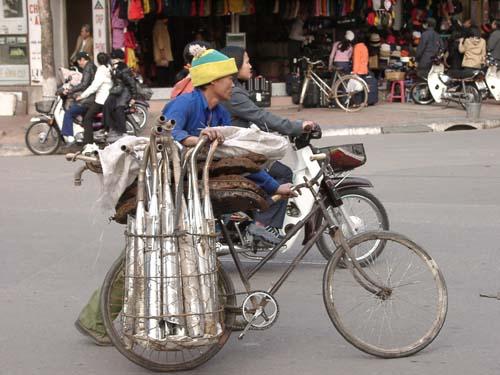Zdjęcia: Hanoi, Mobilna stacja napraw jednośladów, WIETNAM