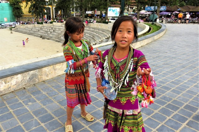 Zdjęcia: Sa Pa, Lao Cai, Pracują od najmłodszych lat, WIETNAM