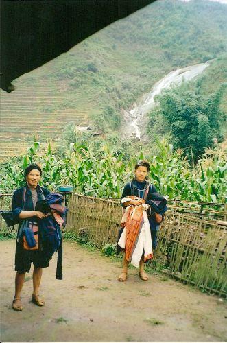 Zdjęcia: okolice Sapa, północ kraju, kobiety plemienia Chmong, WIETNAM