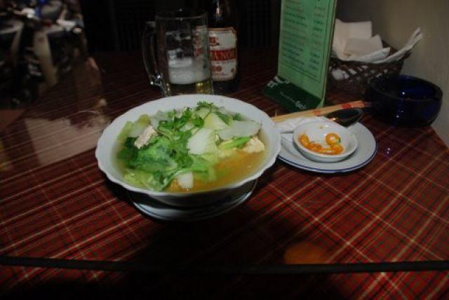 Zdjęcia: ul. Hang Hanh, Hanoi, Zupa Pho za 1 USD, WIETNAM