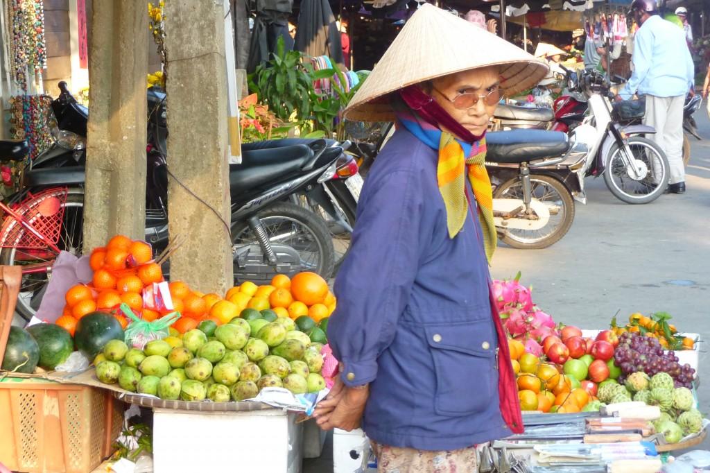 Zdjęcia: Hoi An, Na straganie w dzień targowy .. :), WIETNAM