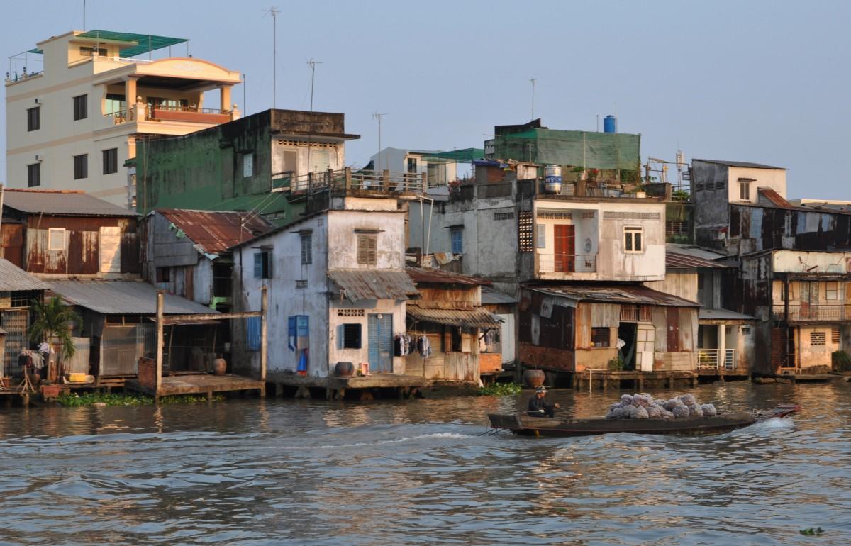 Zdjęcia: My Tho, Delta Mekongu, Nad kanałem, WIETNAM