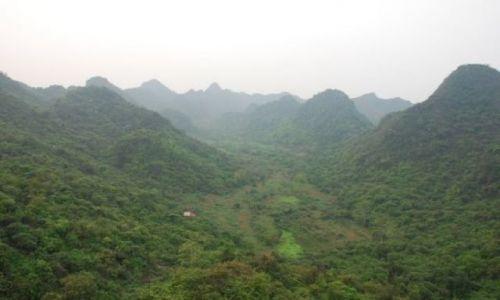 Zdjęcie WIETNAM / 50 km. od Hanoi / Huong Pagoda / Na szlaku