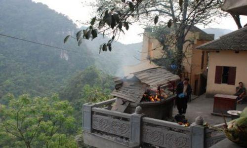 Zdjęcie WIETNAM / 50 km. od Hanoi / Huong Pagoda / Huong Pagoda
