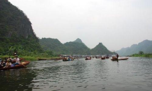 Zdjęcie WIETNAM / Huong Pagoda / 50 km. od Hanoi / Na szlaku
