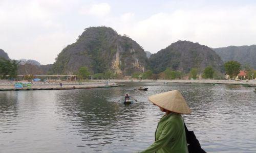 Zdjecie WIETNAM / Ninh Binh / Tam Coc / u bram Tam Coc