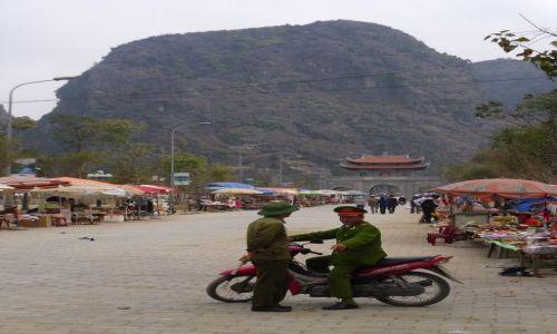 Zdjecie WIETNAM / Ninh Binh / Tam Coc / komunistyczny s