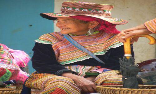 Zdjecie WIETNAM / - / Sa Pa / Babcia z plemienia Hmongów.