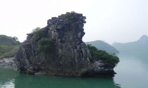 Zdjęcie WIETNAM / halong bay / zatoka / skała