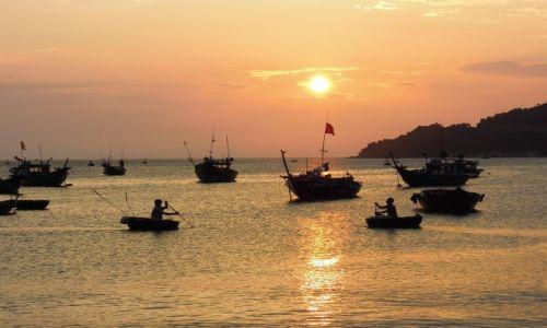 Zdjecie WIETNAM / Da Nang / Cham Island / Zachód słońca