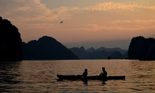 Zdjecie WIETNAM / - / Ha Long Bay / kraina lądującego smoka...