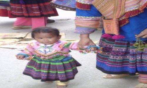 Zdjęcie WIETNAM / Bac Ha / Targ w Can Cau / H'mongka od urodzenia
