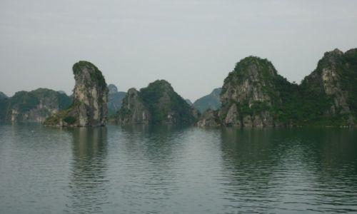 Zdjęcie WIETNAM / Prowincja Quang Ninh / Zatoka Ha Long / Ha Long przy porannej mgiełce