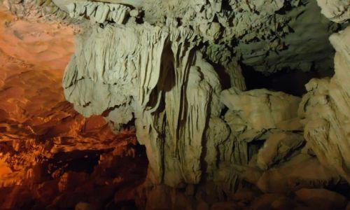 WIETNAM / Quang Ninh / północny Wietnam / Zatoka Ha Long / Jaskinia Hang Sung Sot (1)