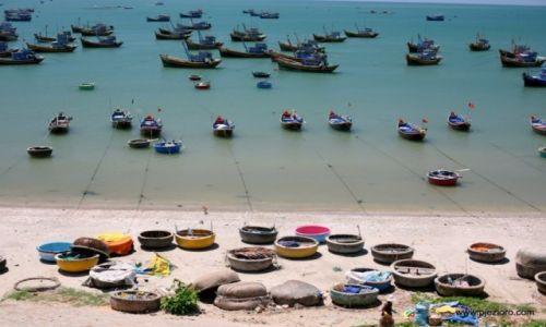 Zdjęcie WIETNAM / Mui Ne / Mui Ne / Port w Mui Ne