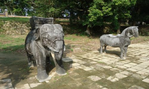Zdjęcie WIETNAM / Thua Thien-Hue / okolice Hue / Grobowiec Gia Long (2)