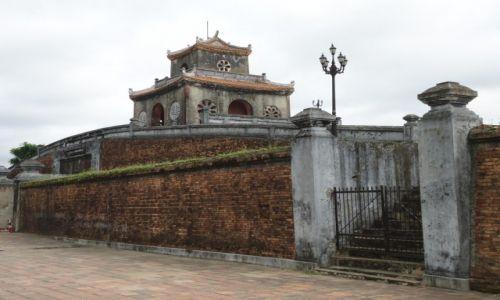 Zdjęcie WIETNAM / Thua Thien-Hue / Hue / Fragment murów miasta