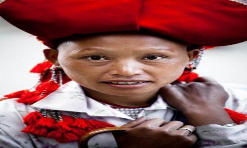 Zdjecie WIETNAM / Sa Pa / Sa Pa / Portret kobiety z ludu Red Dao