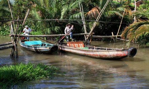 WIETNAM / Delta Mekongu / okolice Can Tho / ...z przeszkodami...